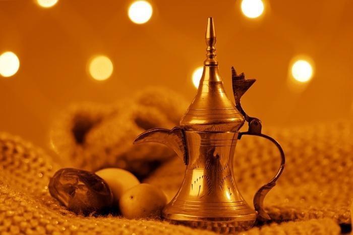 (وعاء القهوة (الذهب أو الفضة