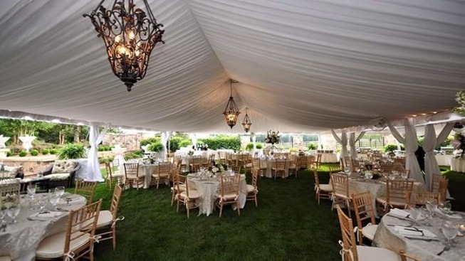 خيمة الحفلات