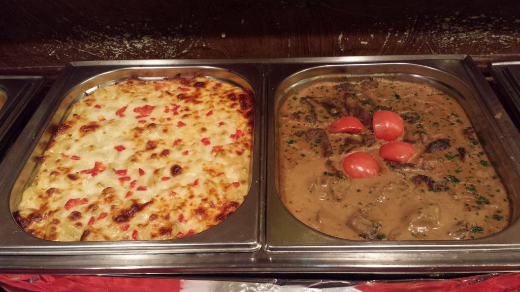 Pasta & Beef Steak with Mushroom Sauce